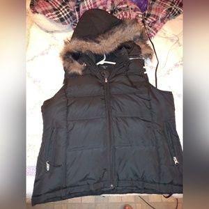 Puffer vest with faux fur rim hoodie
